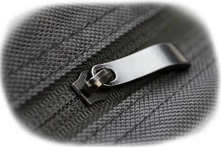 Xamsa bag Hidden zippers for neat look